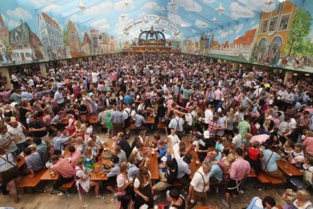 Oktoberfest 2011 - Opening Day: MUNICH, GERMANY